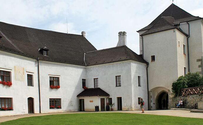Burg Nové Hrady