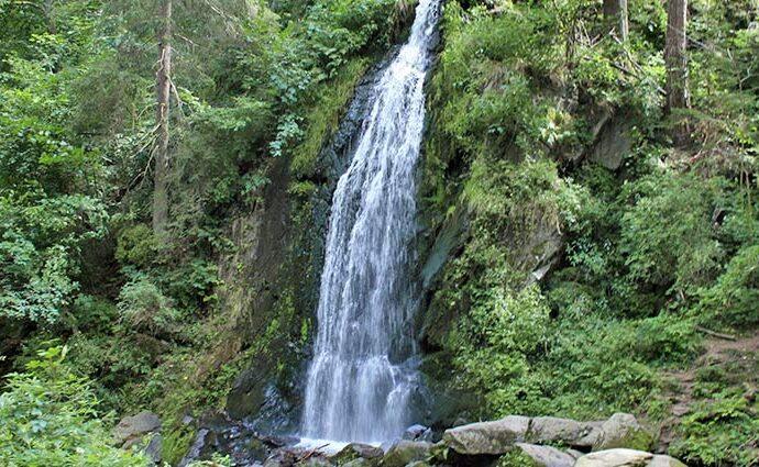 der künstliche Wasserfall im Theresiental